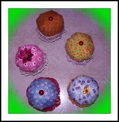Alfileteros Cupcakes (D'velas y Jabonelia) Tags: cupcakes artesanales alfileteros phixr