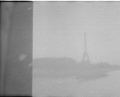 (Honey Bfly) Tags: dianamini lomography lomo lomografia film 35mm pelicula retro vintage analogico analogue bn blancoynegro blackwhite paris francia france torreeiffel toureiffel dobleexposicion doubleexposure