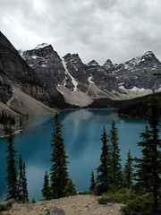 Moraine Lake - Valley of the Ten Peaks (Kwong Yee Cheng) Tags: alberta banffnp canada morainelake valleyofthetenpeaks