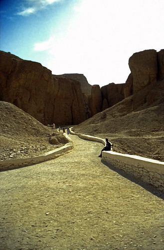 "Ägypten 1999 (403) Theben West: Tal der Könige • <a style=""font-size:0.8em;"" href=""http://www.flickr.com/photos/69570948@N04/28941416954/"" target=""_blank"">View on Flickr</a>"