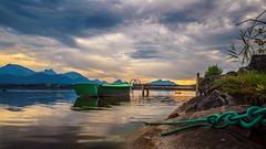 Am Hopfensee (klaus72) Tags: hopfensee allgu sonnenuntergang bayern see boot wasser steg berge sea sunset bavaria