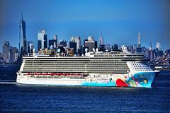 Breakaway NY Skyline 2 DSC00324 (feinmark) Tags: norwegian ncl breakaway cruise ship ny newlyork skyline