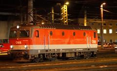 1144 239-1, Linz Hauptbahnhof (austrianpsycho) Tags: linz linzhbf linzhauptbahnhof hbf hauptbahnhof bahnhof zug train eisenbahn bahn railway öbb oebb lok lokomotive elok elektrolok elektrolokomotive locomotive engine 11442391 1144239 1144 2391 239
