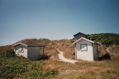(Monica Forss) Tags: film analog 35mm sweden dunes analogue beachhuts skanr agfacolourpro200 minoltaprod20s