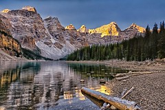 Moraine Morning (Phil's Pixels) Tags: canada sunrise reflections dawn bravo alberta daybreak morainelake valleyofthetenpeaks tenpeaks simplysuperb