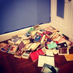 avalanche (FzKpics) Tags: blue nerd library books avalanche somethingblueinmylife