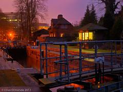 Caversham lock at dusk (ceeko) Tags: england reading dusk lock berkshire riverthames 2011 cavershamlock blurbbooks olympuse3 lockkeepershut outinallweathers