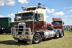 YKR591X (stamper104) Tags: truck transport transportintheframe transportoftheworld alltypesoftransport anykindofvehicles usa usatruck american kenworth cabover 2016gloucestershirevintagecountryextravaganza
