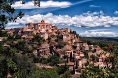 Gordes (Don Csar) Tags: gordes france francia frankreich europe europa town dorf hill colina sky cielo summer provencealpesctedazur provence