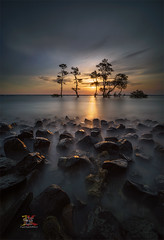 When u Boring ..... (Jose Hamra Images) Tags: laguna labuan cilegon anyer carita indonesia banten sunset sunrise landscape