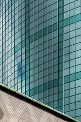 WTC (Karl-Heinz Bitter) Tags: architektur holland netherlands niederlande rotterdam fenster windows pattern lines linien muster wtc architecture city urban green grn khbitter karlheinzbitter abstract abstrakt