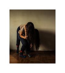 kje nastane ples odmaknjenih, (xzwillingex) Tags: twins identicaltwins indoor fineart portrait selfportrait people colour hair