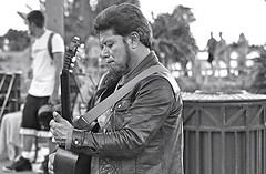 Santa Monica (Robert Borden) Tags: usa coast pacific so cal california santamonica santamonicapier musician streetmusician guitar bw monochrome blackandwhite blackwhite leather jacket leatherjacket candid portrait pier beach