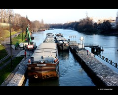 Parisian suburb (Yolanda Miel) Tags: paris france canon river europe suburb pniche barge banlieue cluse ruby2 lamarne yolandamiel