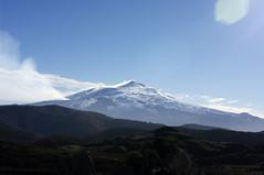 Etna dal piano dell'Argimusco (catest79) Tags: sky panorama pentax cielo neve sicily 1855mm azzurro etna sicilia montalbano nebrodi k20d argimusco