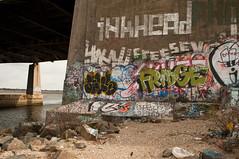 (break.things) Tags: nyc ny newyork inkhead newyorkcitygraffiti