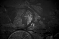 CrossTown Traffic. Firenze Version. (pierofix) Tags: light bw italy white david black history water bike statue canon square puddle eos 50mm florence reflex soft italia dof bokeh f14 14 tourist bn bici 5d firenze piazza michelangelo acqua palazzo statua bianco nero luce turisti vecchio riflesso storia signoria pozzanghera morbido sfuocatura 5dmarkii 5dmii