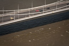 floating on the water (kami_pisecka) Tags: road street city bridge urban cars water digital canon river eos hungary budapest floating sigma dslr 18200 450d