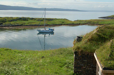 Eilean Mor anchorage, MacCormaig Isles, Donald MacDonald Creative Commons
