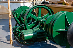 CU404 USS Olympia Winch (listentoreason) Tags: usa color green history philadelphia america canon unitedstates pennsylvania military navy favorites places naval cruiser pennslanding warship c6 militaryhistory spanishamericanwar ca15 ef28135mmf3556isusm protectedcruiser score30 ussolympia independenceseaportmuseum militarytheater cl15 ix40 philadelphiamaritimemuseum