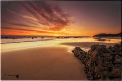 Testigo del amanecer (Caramad) Tags: mar color marcantbrico camadats rocas agua amanecer sunrise sol cantabria noja sea rocks seascape olas landscape espaa playa
