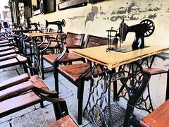 Singer corner (Beggo e Marina) Tags: cracovia tavoli ristorante cucire