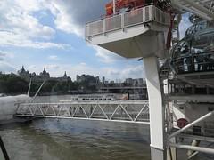 _2014_06_20_17_59_41 (Ricardo Jurczyk Pinheiro) Tags: charingcross inglaterra londoneye londres riotã¢misa cabine ponte rio rodagigante trem riotâmisa