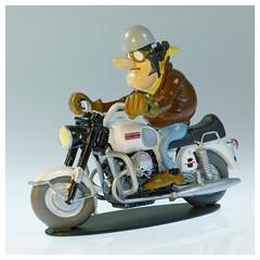 Joe Bar Team Guzzi 750V7 (iveka19) Tags: joebarteam joebar figurine moto motorcycle ventsdouest figur motard motorradfahrer biker bd comicbook