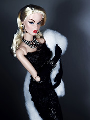 Hollywood (Paris In BKK) Tags: fr fashionroyalty integrity toy doll fashiondoll cinematic convention vanessa starpower vjhon gown dollportrait hollywood glamour