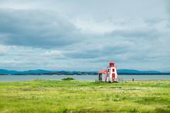 Seule au monde (Kikandco) Tags: quebec kamouraska roadtrip village fujifilm xt1 paysage landscape phare lighthouse