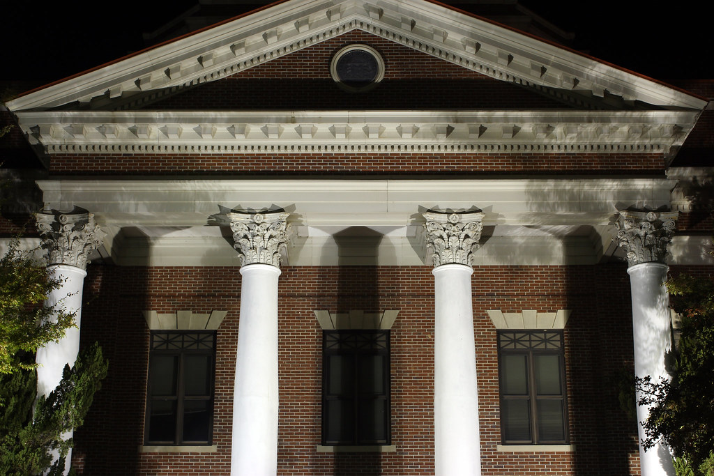 ionic columns and dentil - photo #25