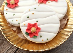 Ruched Cookies (SweetSugarBelle) Tags: christmas holiday poinsettia ruched royalicing cookiedecorating ruching