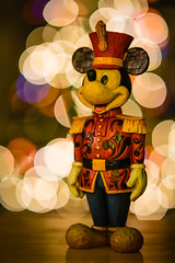 Attention! (Brett Kiger) Tags: christmas canon eos bokeh 85mm sigma jim disney mickey shore 5dmarkiii