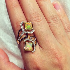 #sharartdesign #opal #diamond #ring called #pirouettes by Sharart Design (Sharart_Design) Tags: valencia yellow square gold ring diamond collection squareformat spinning opal bypass 18k pirouette iphoneography instagramapp uploaded:by=instagram sharartdesign sharlinn