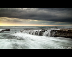 Garie 1 (AnthonyGinmanPhotography) Tags: rock sunrise flow shelf gariebeach theroyalnationalpark