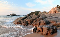 Morning at Bahia de Huatulco (kcezary) Tags: morning travel vacation seascape tourism beach canon landscape mexico outdoors places paisaje oaxaca 24mm polarizer paysage landschaft huatulco      primelens bahiadehuatulco canonprimelens canon5dmkii canonef24f14lii