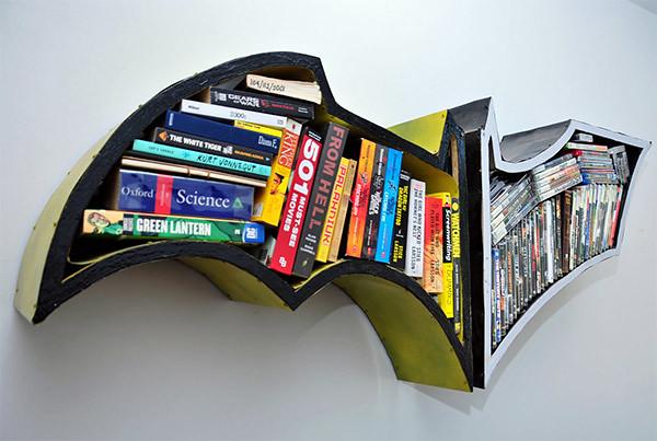 『蝙蝠俠:黑暗騎士』蝙蝠標誌書櫃