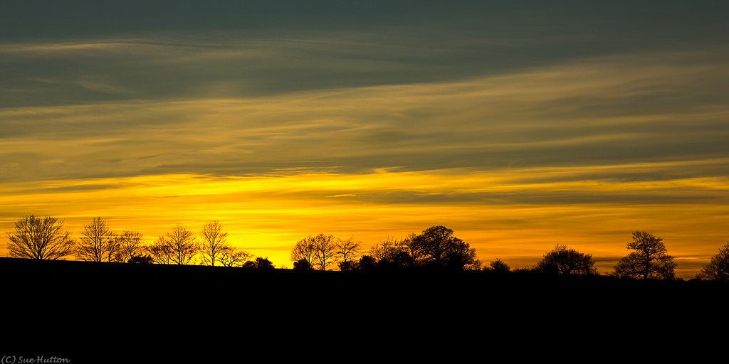 f8b6caf183b0 Sunset at Hunts Hill (Sue Hutton) Tags  winter sunset silhouette skyline  sundown charnwood shepshed