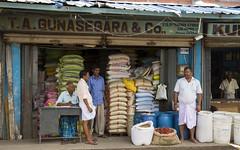 Colombo, Sri Lanka, 2016 (Photox0906) Tags: pettah colombo srilanka asia asie grocery épicerie marché market sellers vendeurs cereals céréales signage enseigne shop magasin sacs desk piments peppers bags city ville urban extérieur outside srilankans men merchants marchands hommes