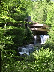 Fallingwater (kukulu21) Tags: fallingwater architecture modern franklloydwright pennsylvania waterfall