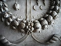 """Marble festoon (detail) - The so-called """"Succorpo"""" or Carafa chapel in Naples Cathedral - Age: 1497-1508; Purchaser: Cardinal Oliviero Carafa; Architect: perhaps Donato Bramante; Sculptor: Tommaso Malvito and others; Dimension: m. 12x9 (Carlo Raso) Tags: tommasomalvito festoon naples italy cathedral succorpo"""