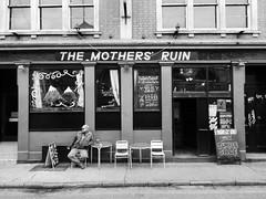 The Mothers' Ruin, Bristol (duncan) Tags: bristol themothersruin mothersruin pub