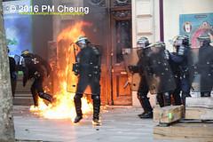 Manifestation pour l'abrogation de la loi Travail - 15.09.2016 - Paris - IMG_8155 (PM Cheung) Tags: loitravail paris frankreich proteste mobilisationénorme cgt sncf euro2016 demonstration manifestationpourlabrogationdelaloitravail blockaden 2016 demo mengcheungpo gewerkschaftsprotest tränengas confédérationgénéraledutravail arbeitsmarktreform lesboches nuitdebout antagonistischenblock pmcheung blockupy polizei crs facebookcompmcheungphotography polizeipräfektur krawalle ausschreitungen auseinandersetzungen compagniesrépublicainesdesécurité police landesweitegrosdemonstrationgegendiearbeitsmarktreform loitravail15092016 manif manifestation démosphère parisdebout soulevetoi labac bac françoishollande myriamelkhomri esplanadeinvalides manifestationnationaleàparis csgas manif15sept manif15 manif15septembre manifestationunitairecgt fo fsu solidaires unef unl fidl république abrogationdelaloitravail pertubetavillepourabrogerlaloitravaille