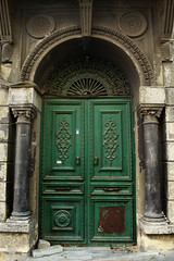 Abandoned Treasures I, Sirkeci, Istanbul (SvKck) Tags: door abandoned turkey puerta gate treasure trkiye istanbul porta porte ottoman tr harap deur    tarihi  kap vrata osmanl virane dvee  giri viran terkedilmi drren ykk  hazine