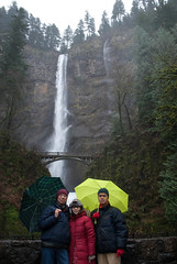 "Family picture at Multnomah Falls • <a style=""font-size:0.8em;"" href=""http://www.flickr.com/photos/61598887@N00/8296404984/"" target=""_blank"">View on Flickr</a>"