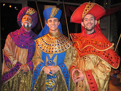 The Three Kings (meeko_) Tags: show africa christmas gardens tampa three town florida entertainment gifts kings singer gaspar themepark buschgardens busch balthazar threekings magi buschgardenstampa melchior christmastown birdgardens buschgardensafrica buschgardenstampabay xcursions threekingsthegiftsofchristmas