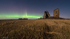 Aurora Borealis @ Aberdeenshire (Chee Seong) Tags: old uk winter green field night star evening scotland aberdeenshire auroraborealis ruined newdeer northenlight fedderatecastle