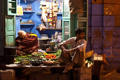 Vegetable sellers, Jodhpur (alankaar) Tags: street india vegetables shop night store market bazaar rajasthan jodhpur