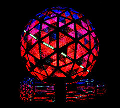 Happy New Year ! (Sandra Leidholdt) Tags: nyc newyorkcity usa triangles festive lights us unitedstates symbol crystal icon celebration american timessquare newyearseve coloredlights iconic bi
