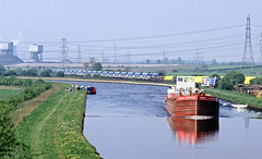 Humber Princess about to be overtaken by a National Power class 59 at Whitley Bridge. (delticfan) Tags: np barge aireandcaldernavigation class59 whitleybridge nationalpower humberprincess